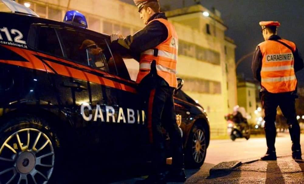Aggredisce genitori e carabinieri per comprarsi la droga: arrestato 23enne a Bracciano