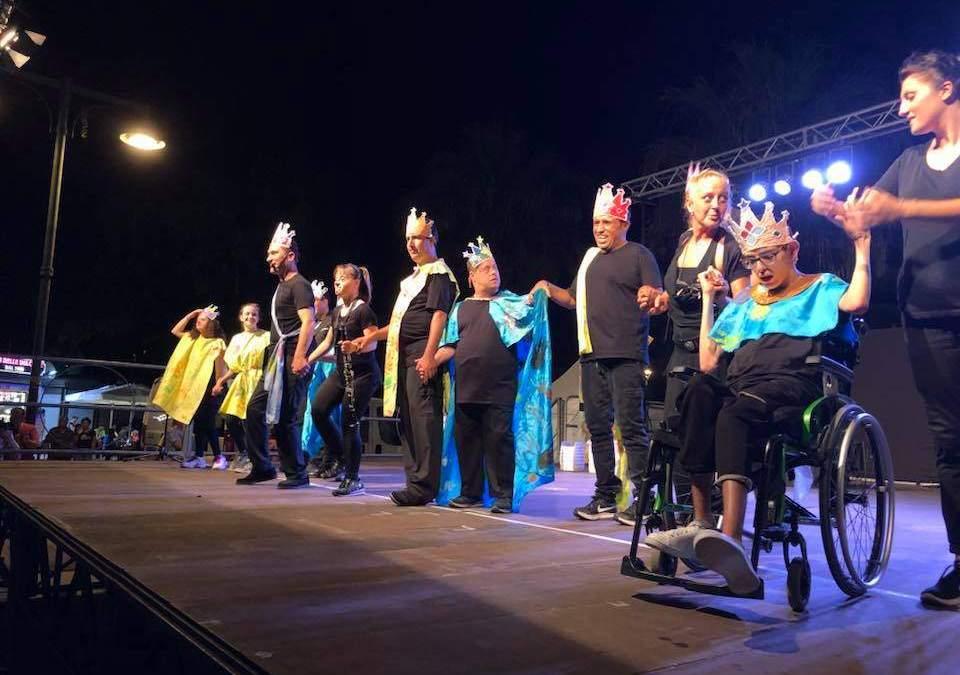 """Ladispoli, piazza gremita per lo spettacolo """"Tutti i re che ho in me"""""""