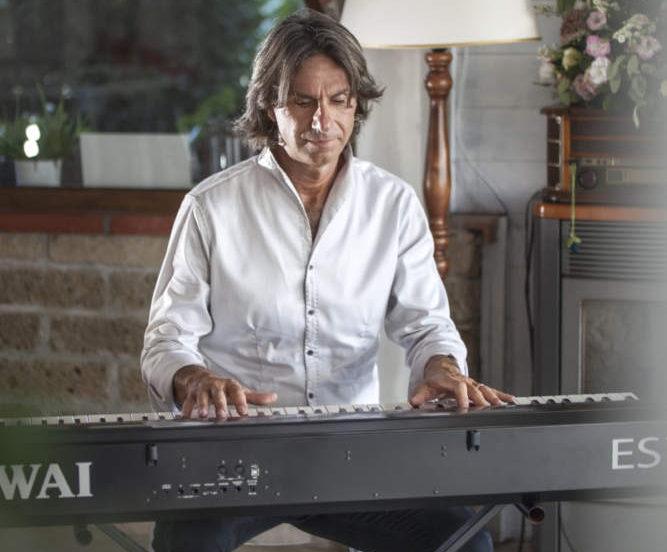 Ladispoli, Luigi Petruzzi al piano apre la settimana della Moda a Milano