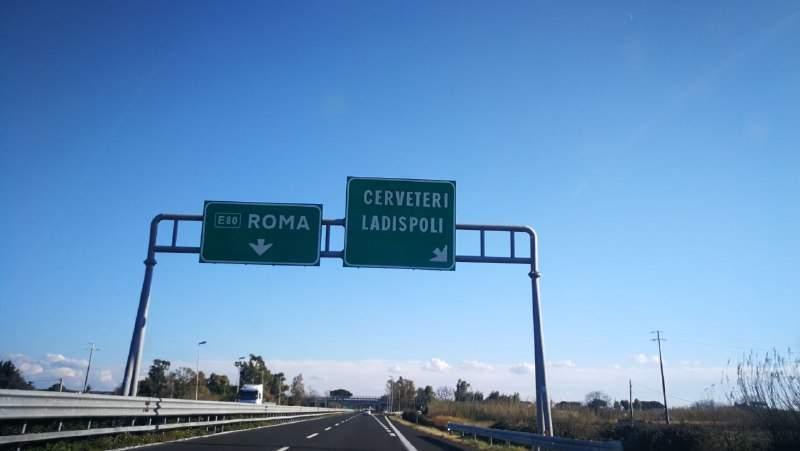 Lunghe code e traffico di rientro su A12 e Aurelia