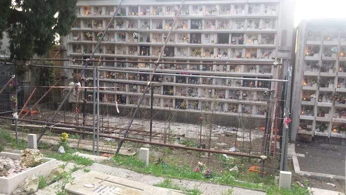 """Fiumicino, Montino scrive a Raggi sul cimitero di Maccarese: """"Intervento immediato""""."""