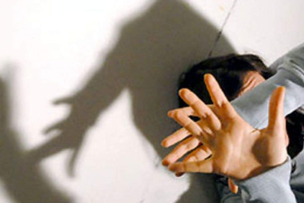 Cerveteri, presunti abusi su bambina di 8 anni: sotto accusa bidello