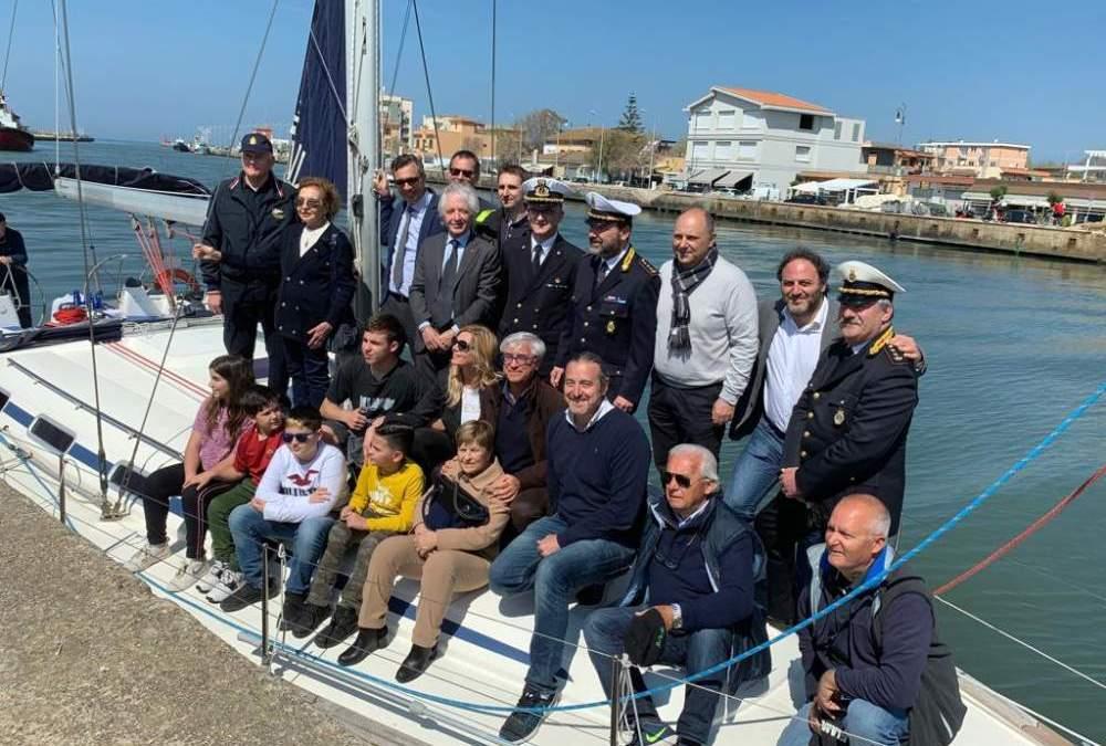Fiumicino, varata dell'imbarcazione confiscata all'immigrazione clandestina