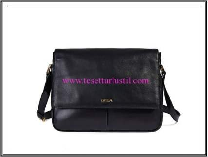 Desa siyah deri postacı çantası-486 TL