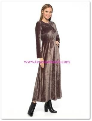 lcw antrasit uzun kollu kadife maksi elbise