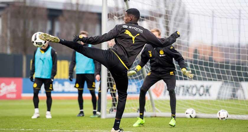 Alexander Isak Starts Training with BVB