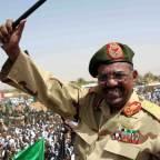 <Washington Lifts 20 Years of Sanctions on Sudan