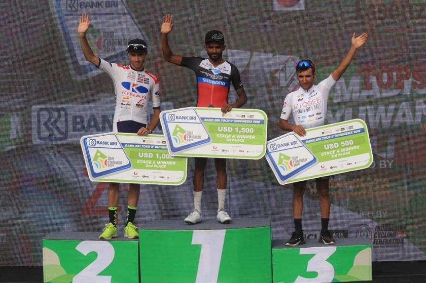 Metkel Eyob of Trengganu TSG Cycling wins Stage 4 of the 2019 Tour de Indonesia