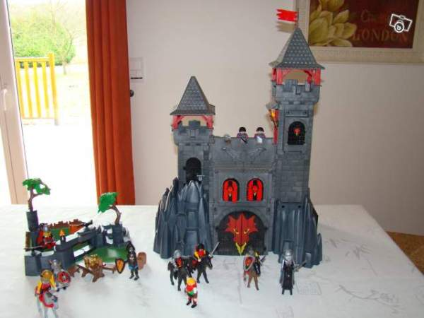 Ch226teau Playmobil collection