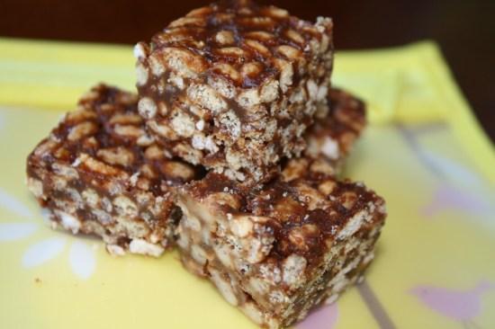 Chocolate Peanutbutter Rice Crispy Treats-Refined Sugar free (Plus a lunchbox organizing tip!)