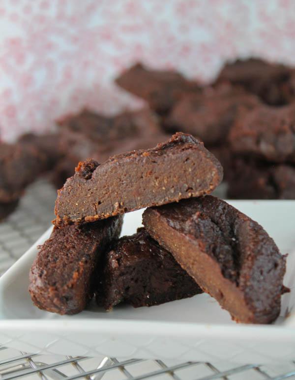 Paleo Brownie Bites - Nut & Egg Free- #paleo #eggfree #nutfree #chocolate #avocado #brownies #cookies