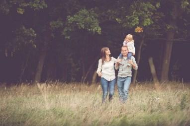 Tessa Trommer Fotografie Erfurt Familienfotografie Familie Natur Outdoor Wiese