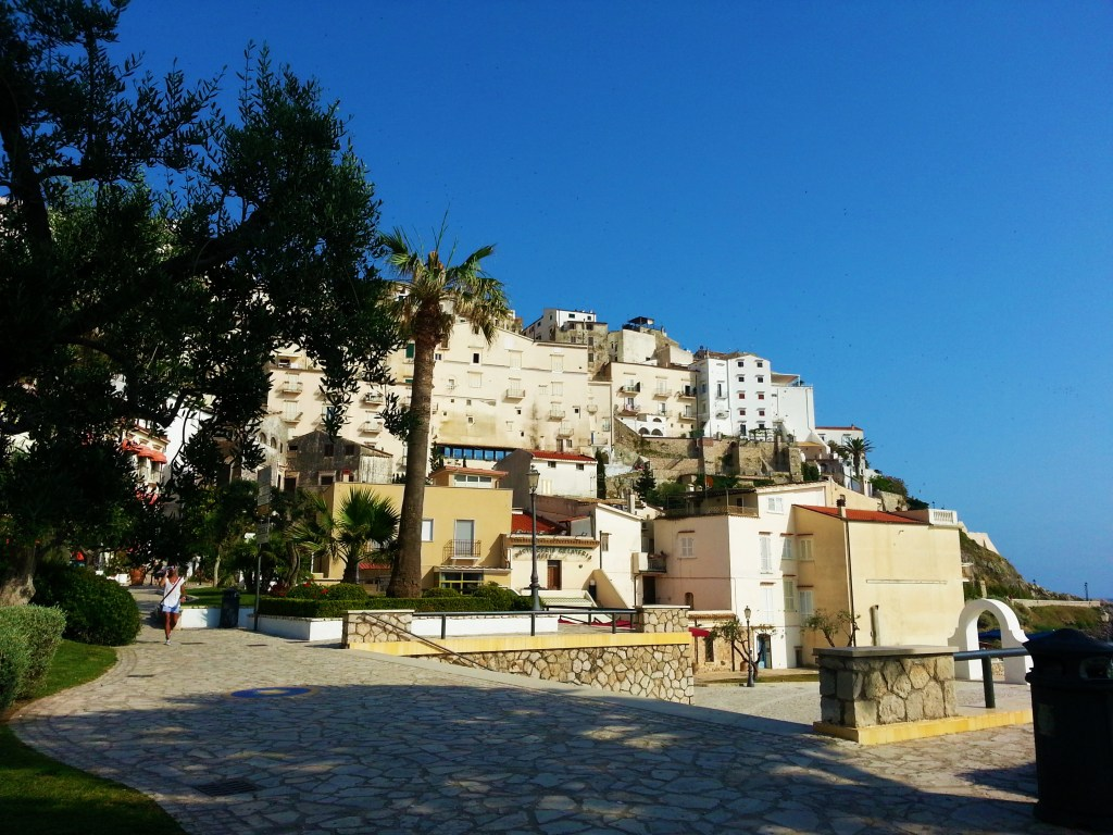 How to get to Sperlonga from Rome or Naples, and the best hotels in Sperlonga