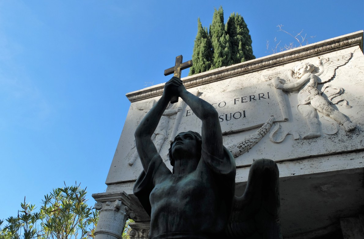 A guide to 3 cemeteries in Rome worth visiting, all built for very different purposes: Verano, the non-Catholic cemetery and the Commonwealth cemetery.