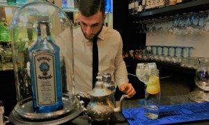 A guide to cocktail bars in Rome featuring a review of The Gin Corner, at Hotel Adriano in Rome, a specialist bar serving gin from all over the world.
