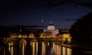 Easter in Rome 2018: a guide to Holy Week 2018 in Rome, including Maundy Thursday, Good Friday, Easter Saturday, Easter Sunday and Easter Monday.