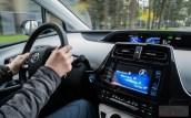 Nowa Toyota Prius PREMIUM 1.8 Hybrid 122 KM-E CVT fot. Jakub Baltyn (22)