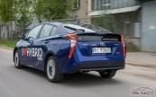 Nowa Toyota Prius PREMIUM 1.8 Hybrid 122 KM-E CVT fot. Jakub Baltyn (26)