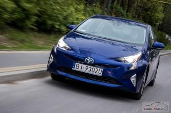 Nowa Toyota Prius PREMIUM 1.8 Hybrid 122 KM-E CVT fot. Jakub Baltyn (29)