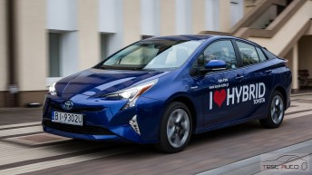 Nowa Toyota Prius PREMIUM 1.8 Hybrid 122 KM-E CVT fot. Jakub Baltyn (30)