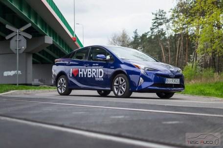 Nowa Toyota Prius PREMIUM 1.8 Hybrid 122 KM-E CVT fot. Jakub Baltyn (42)