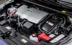 Nowa Toyota Prius PREMIUM 1.8 Hybrid 122 KM-E CVT fot. Jakub Baltyn (46)