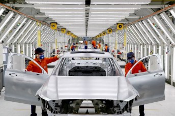 199979_pre_production_of_the_new_volvo_s90_in_the_daqing_manufacturing_plant