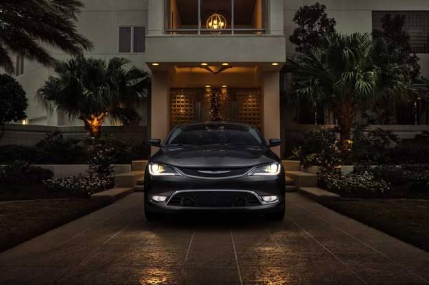 2015-Chrysler-200-Black