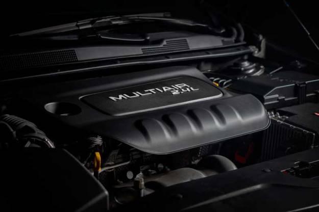 2015-Chrysler-200-Engine