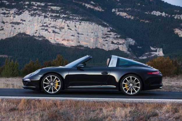 Porsche-911-Targa-Black-Side