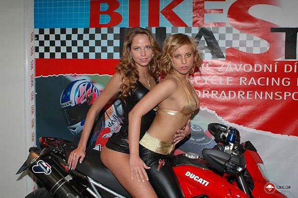 bikes-babes15