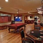 5 lugares incríveis para receber os amigos e jogar poker