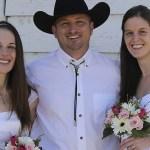 Homem faz pedido para se casar legalmente com sua segunda esposa