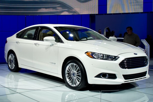 Ford_Fusion_Hybrid_2nd_gen