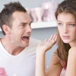 Homens estúpidos com mulheres são perdedores, diz pesquisa