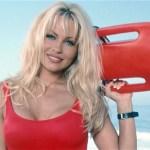 Pamela Anderson é capa da última edição da  Playboy nos EUA
