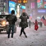 Esses caras esquiaram pelas ruas de Nova York na maior nevasca da história