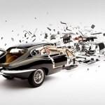 Fotógrafo lança série com imagens incríveis de carros explodindo