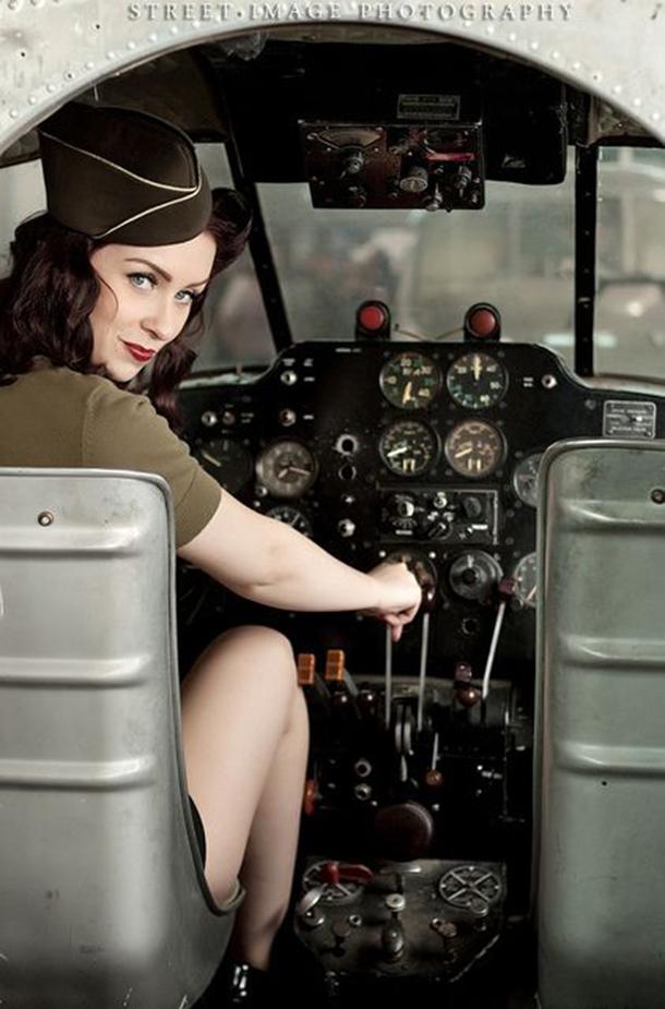 13-mulheres-gostosas-que-fizeram-ensaios-sensuais-em-helicopteros-6