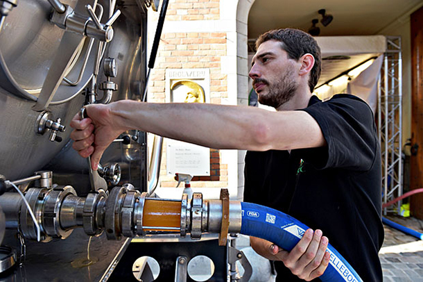 cidade-belga-inaugura-o-primeiro-cervejoduto-do-mundo