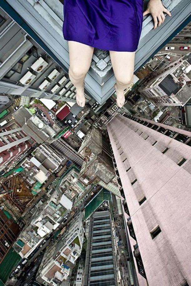 mulher-telhado-2