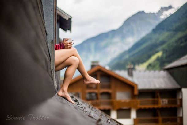 mulher-telhado-5