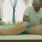 Novo método de massagem parece um batuque e você vai querer fazer em alguém