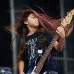 Veja como foi a primeira performance do Korn com Tye Trujillo, de 12 anos