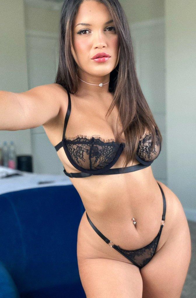 Alina Belle