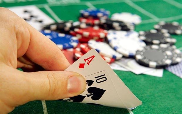 4 fotos 1 palabra jugando poker