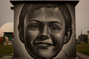 boy-street-art-wall-art-2053-525x350