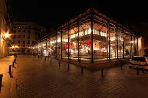 Mercado San Miguel de noche