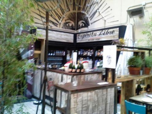 Restaurante Saporem barra en el patio Te Veo en Madrid