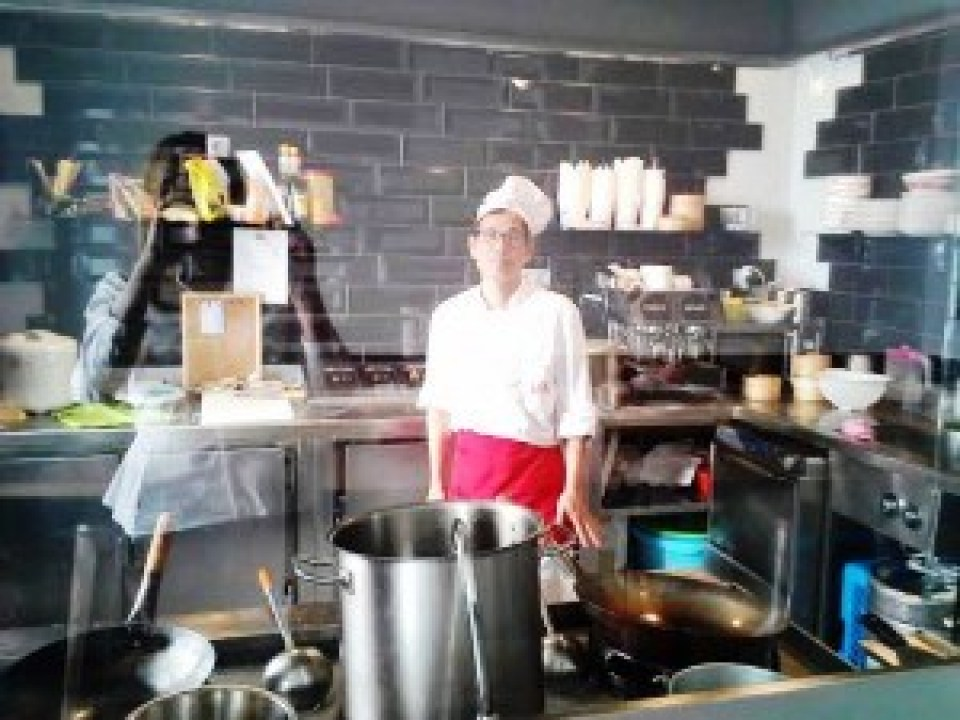 Restaurante-Kungfu-Noodles-cocinero-Te-Veo-en-Madrid-300x225